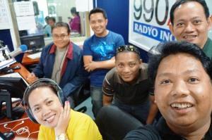Wazzup Pilipinas e-Blog Mo Na Yan Radio Show selfie
